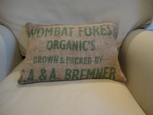 Organic wombat hessian pillow